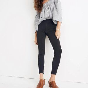 Madewell Pull On Jeans in Black Frost